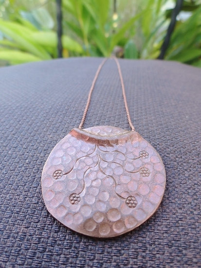Chic Hammered Copper Flower Pendant Necklace