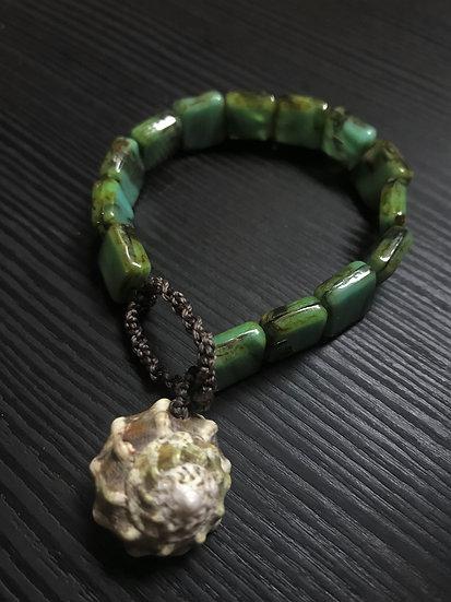 Nonmetal Aqua & Green Glass Bead Natural Shell Bracelet