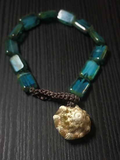 shell & aqua glass bead bracelet