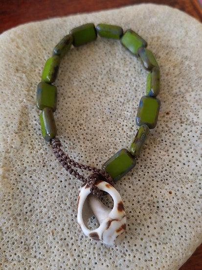 Nonmetal Green Glass Bead Natural Shell Bracelet