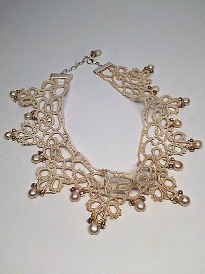 vintage tatted lace and pearl choker