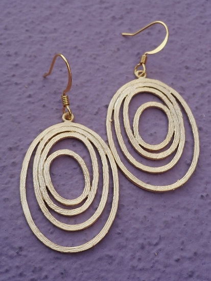 Chic Matte Gold Layered Oval Earrings