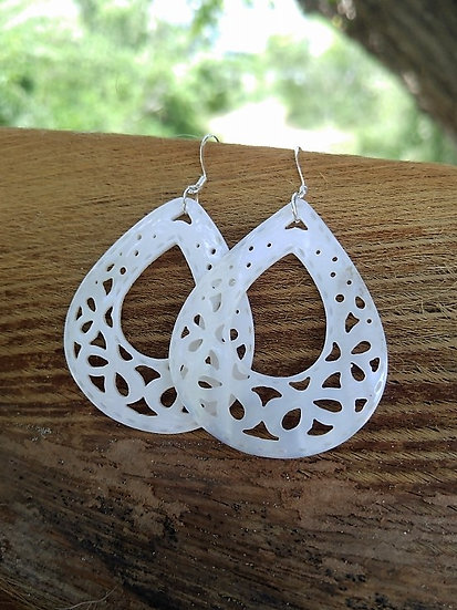 Chic White Large Teardrop Natural Shell Earrings