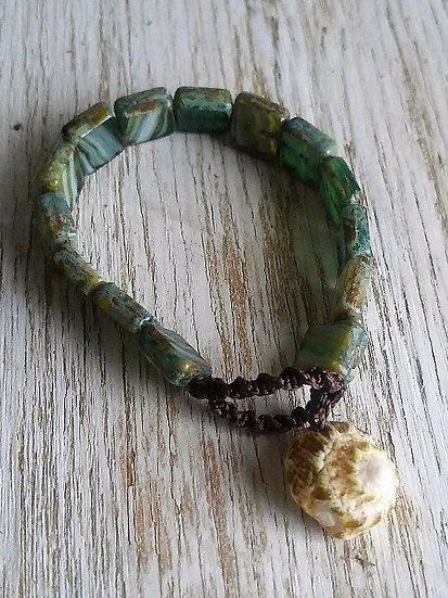 natural shell & green glass bead bracelet