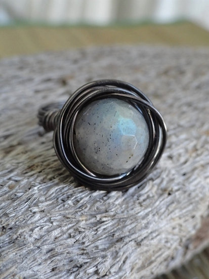 Gunmetal Bird's Nest Labradorite Natural Gemstone Ring