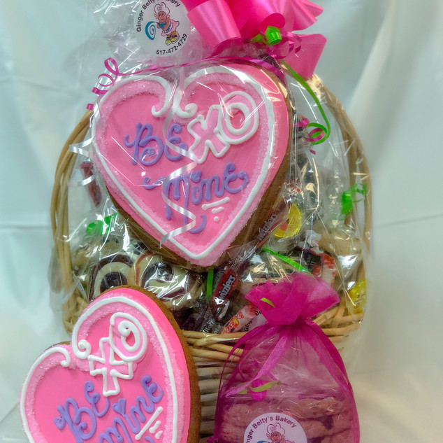Valentines Day Basket and Cookie Bag 201