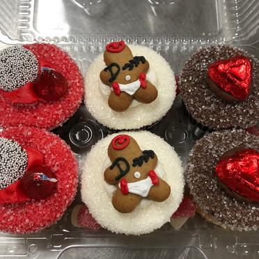 6 pack valentines day cupcakes 2021.jpg