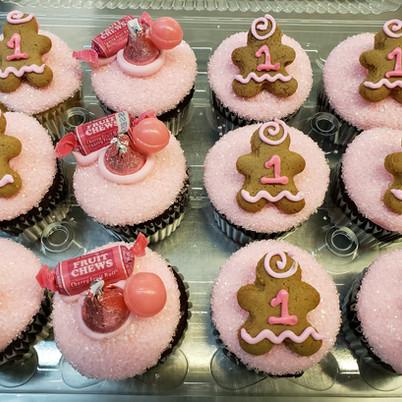 2019 Girls 1st bday cupcakes.jpg