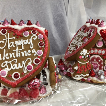 2021 valentines day gingerbread house.jpg