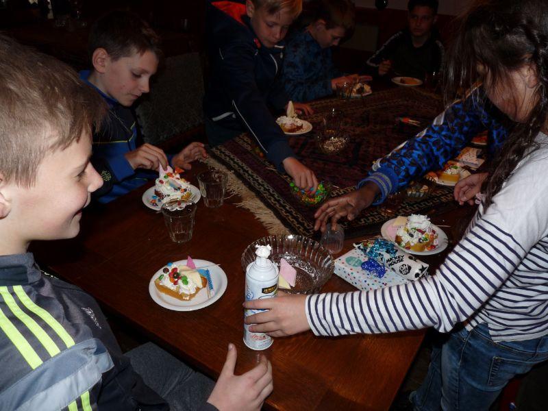 2. Kinderfeestje gebakje maken