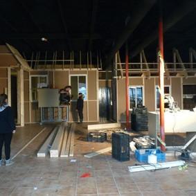 Café en schooklas in aanbouw 2014.jpg