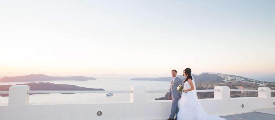 Casamento em Santorini: começa a cerimônia!