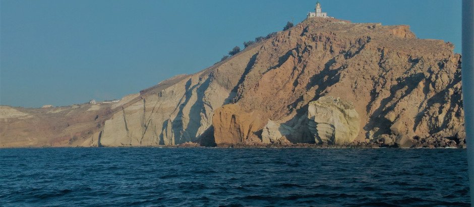 Casamento em Santorini: passeio de barco pela ilha!