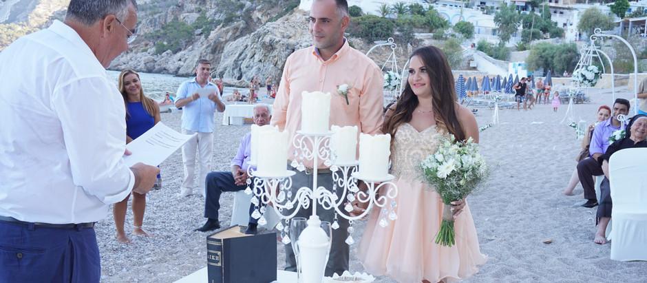 Casamento na Grécia: fotos de uma cerimônia na praia na ilha de Karpathos!
