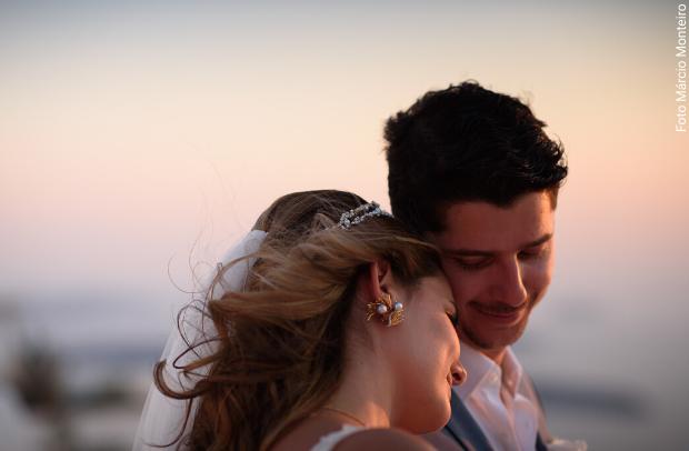 A primeira noiva da Casamento em Santorini a gente nunca esquece