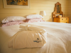 Comfy Bed Made Up Ready for you at the Lake Heron Cottage - Lake Heron Station