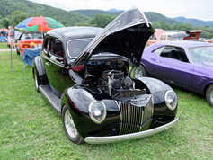 Ford_1939_Deluxe_Coupe