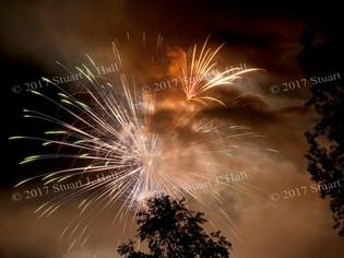 Hinesburg_Fireworks_thru_Smoke_n_Trees_0126_070412.jpg
