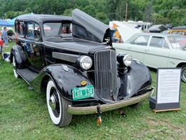 Pontiac_1934_Touring_Sedan