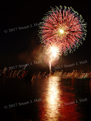 Burl_Fireworks_99_070307.jpg