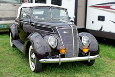Ford_1937_Coupe