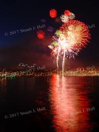 Burl_Fireworks_79_070307.jpg