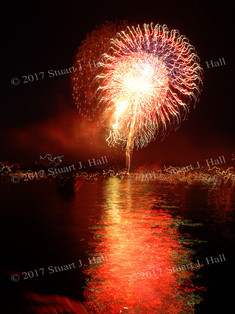 Burl_Fireworks_101_070307.jpg