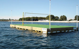 flydende volleyballbane.jpg