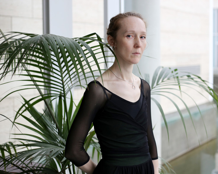 Yana, 42, ballerina