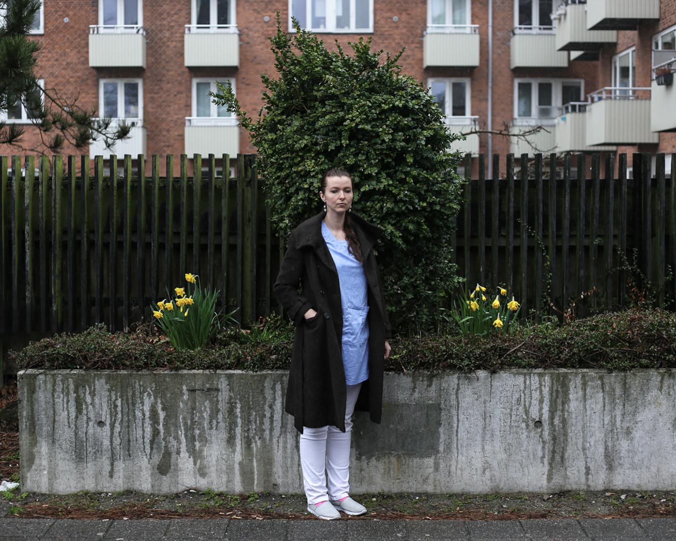 Ilona, 34, dentist