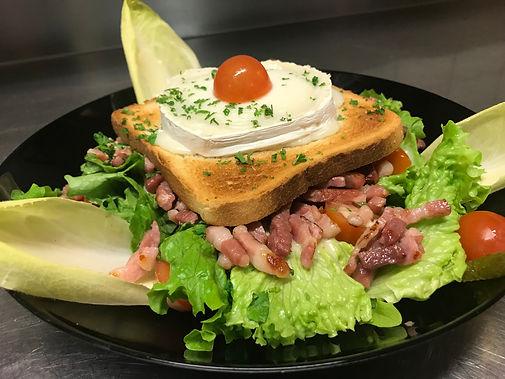 Salade de chèvre chaud - Brasserie Le Rétro