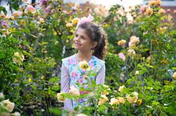 Girls & Roses