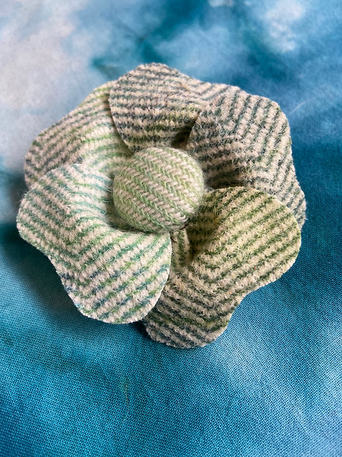 Small Ivory & Green Painty Twill Flower