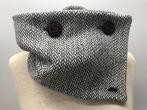 Black & White Merino & Shetland Wool Collar