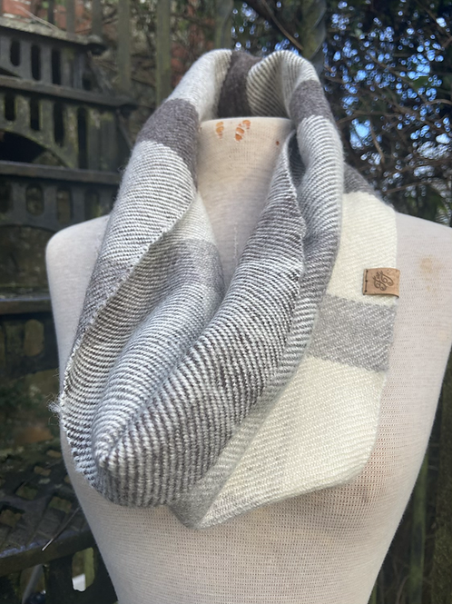 Natural Tonal British Wool Snood