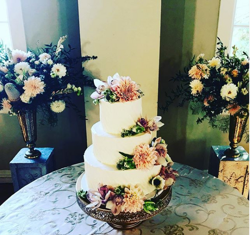 Cake with Florals.PNG