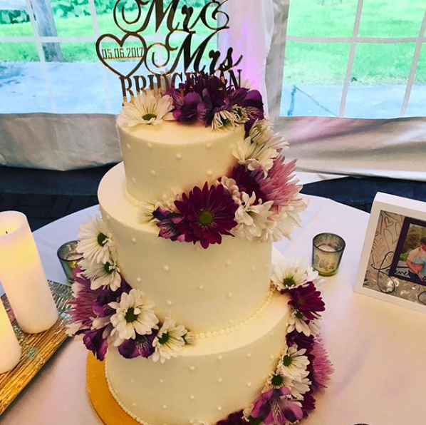 White Cake w Purple Flowers.PNG