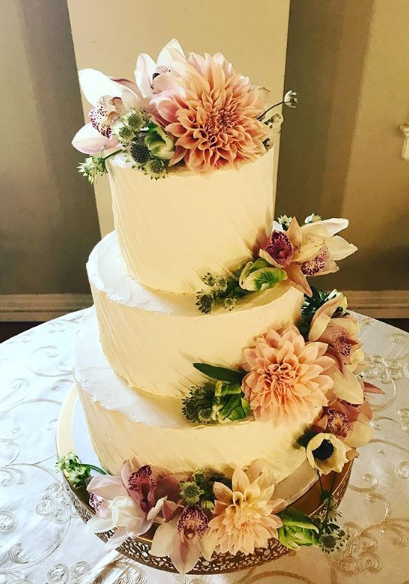 Cake with Florals 2.PNG