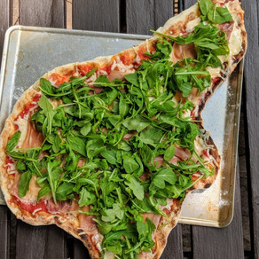 Grilled Pizza with Prosciutto and Arugula