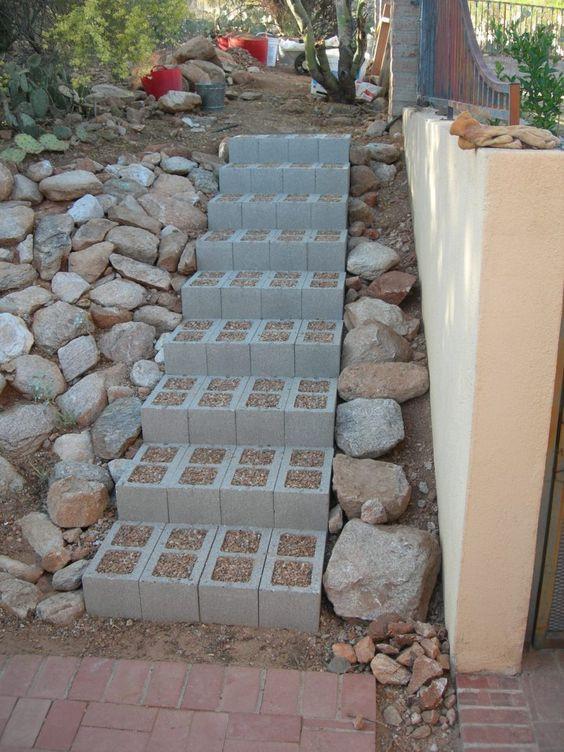 Escada de blocos de concreto