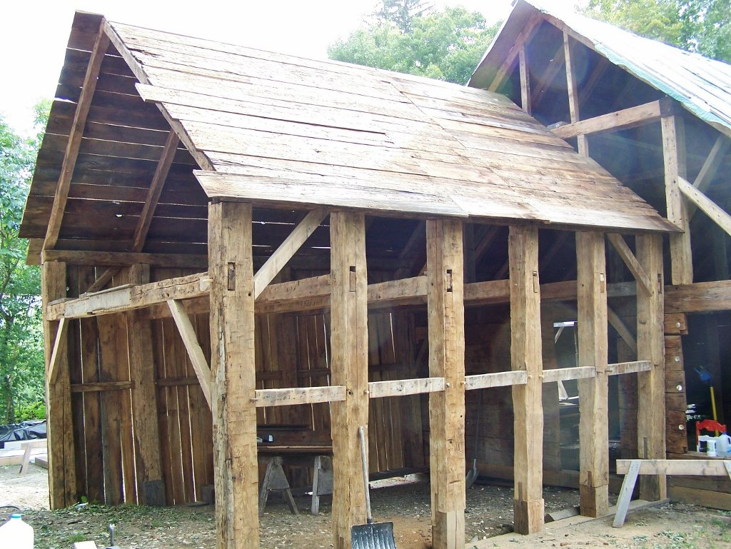 Chestnut Timbered Corn Crib
