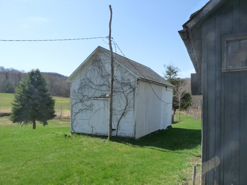 Tapered Wall Corn Crib