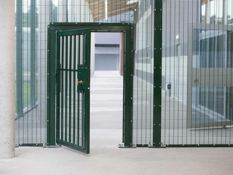 """Non, ce n'est pas journée """"portes-ouvertes"""" à la prison de Marche mais une action cœur-ouvert..."""
