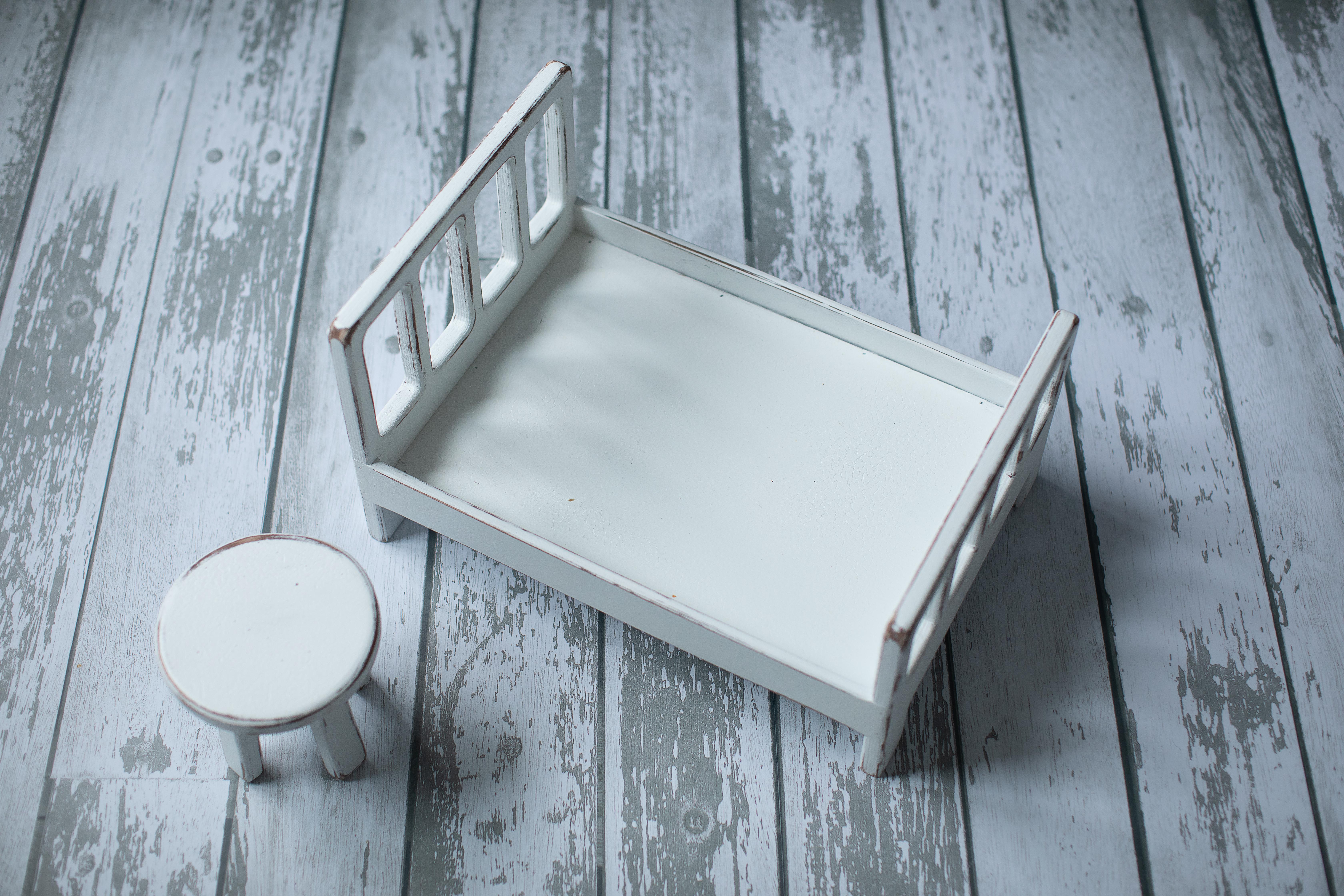 кроватка белая + столик
