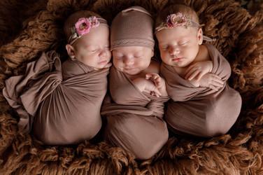 newborn фотосессия тройни в Москве