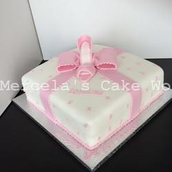 princess bow cake