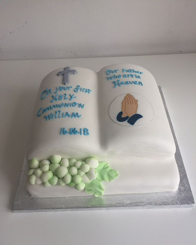 1st Holy Communion Cake, Bible Cake#open book cake#mercelascakeworld#