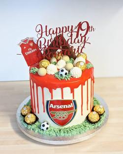 Arsenal Drip Cake