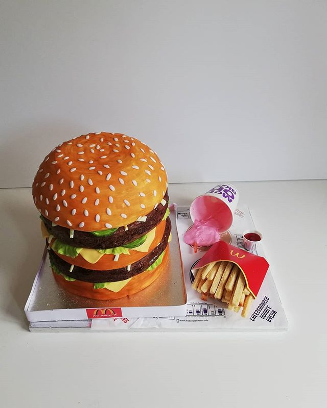 Giant Big Mac with milkshake_This is cak