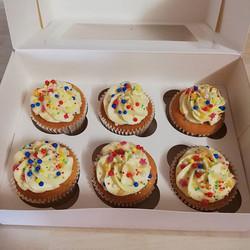 Super woman theme cupcakes